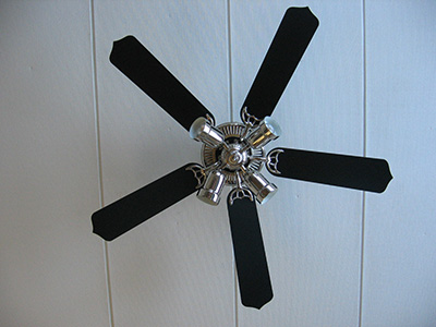 Ceiling Fans Don T Cool Air Like Conditioners Instead They Move And Help People Feel Cooler In Summer Many Realize That Can Also